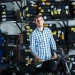 Peut on assurer une moto sans avoir le permis : les formules de contrats adaptées